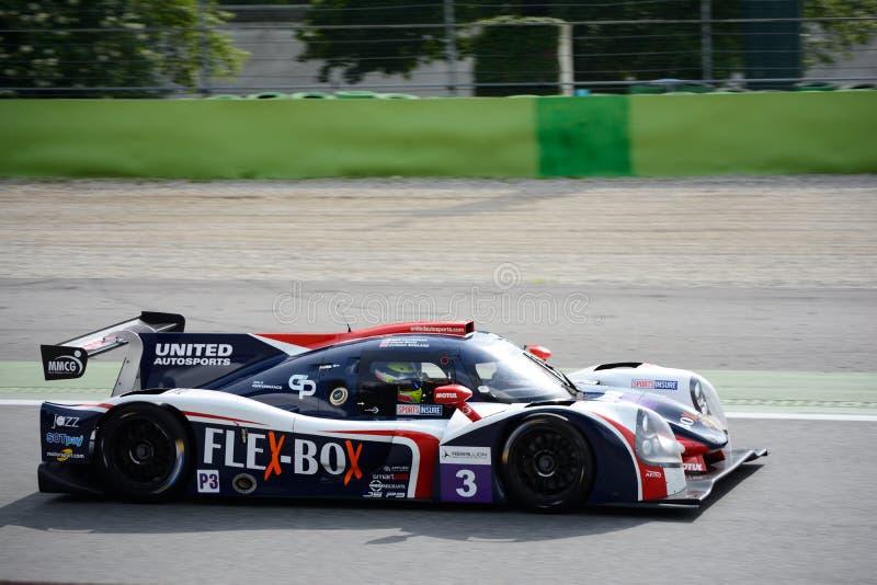 Protótipo unido dos esportes de Autosports na ação fotografia de stock