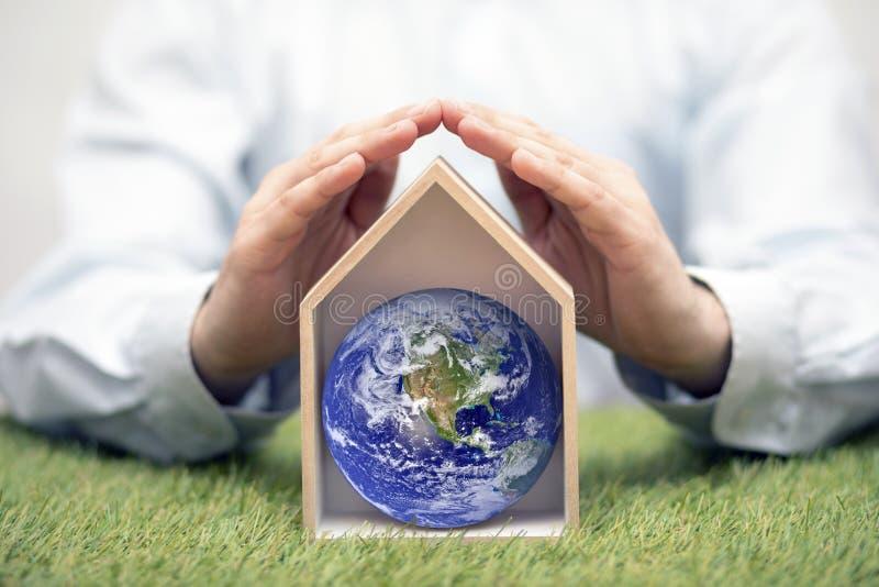 Prot?gez la terre, notre maison image stock