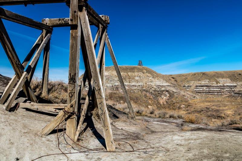 Protagonice la mina de carbón, Badlands canadienses, Drunheller, Alberta, Canadá imágenes de archivo libres de regalías