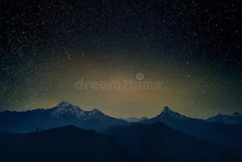 Protagoniza em Himalayas fotos de stock
