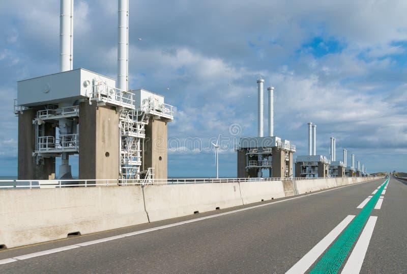 Download Proteção Contra O Mar Nos Países Baixos Foto de Stock - Imagem de asfalto, tecnologia: 65578724