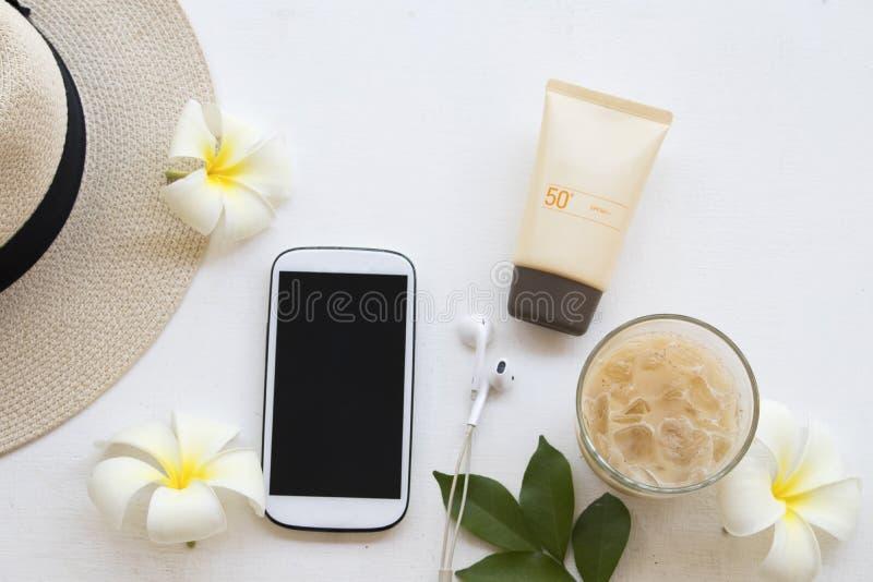 Proteção solar natural spf50 dos cosméticos para a cara da pele imagem de stock royalty free
