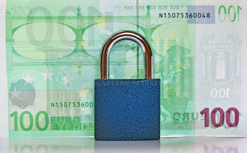 Protección del dinero fotos de archivo libres de regalías