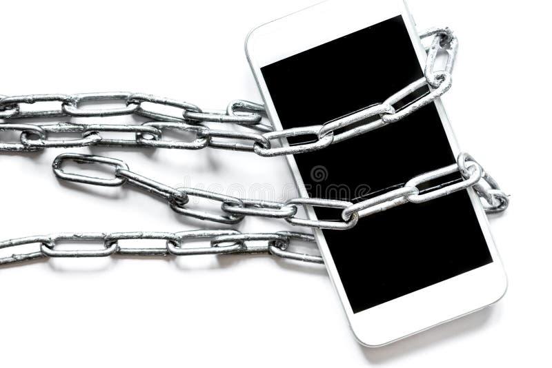 Protección del smartphone del concepto en el fondo blanco imagenes de archivo