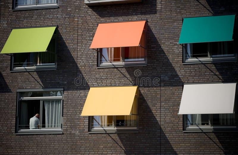 Protecciones solares coloreadas foto de archivo
