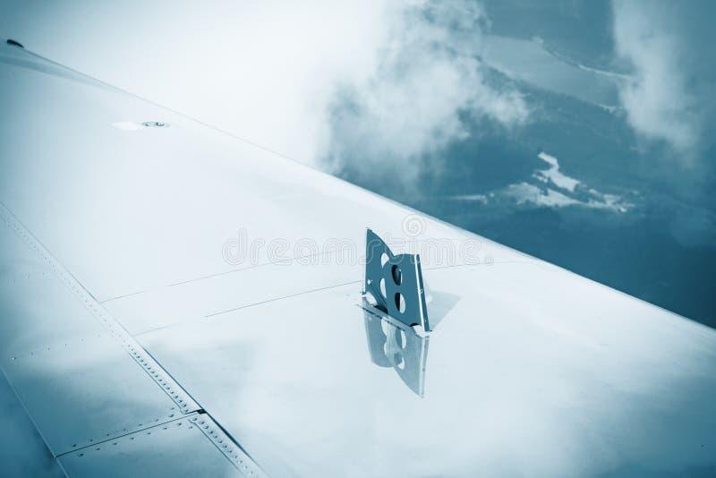 Protections de frein d'échappement sur l'aile photos stock