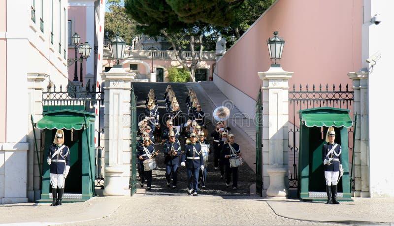 Protector que cambia cerca del palacio presidencial Lisboa foto de archivo libre de regalías