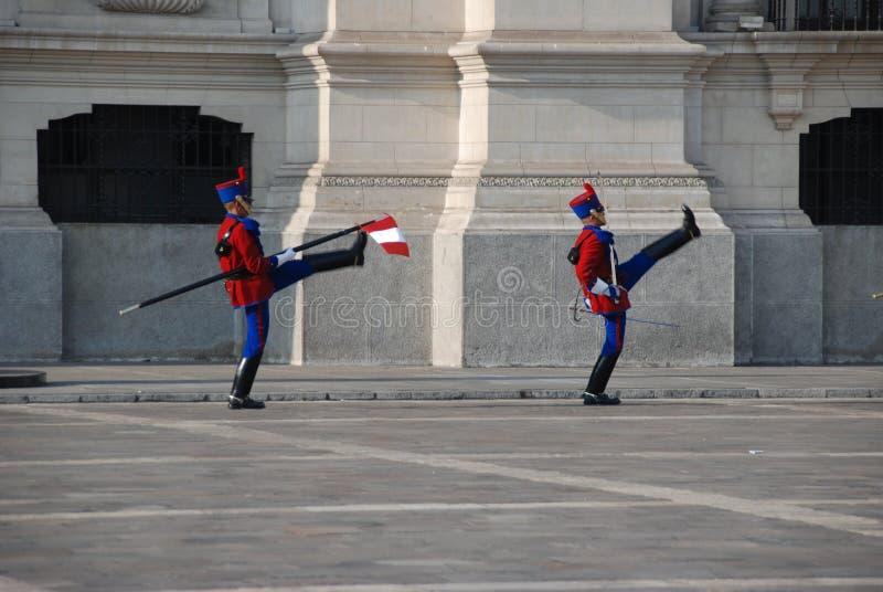 Protectores de palacio peruanos imagen de archivo