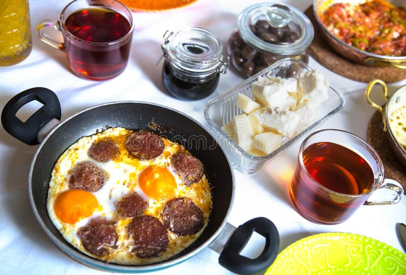 Proteina classica Rich Turkish Breakfast immagini stock