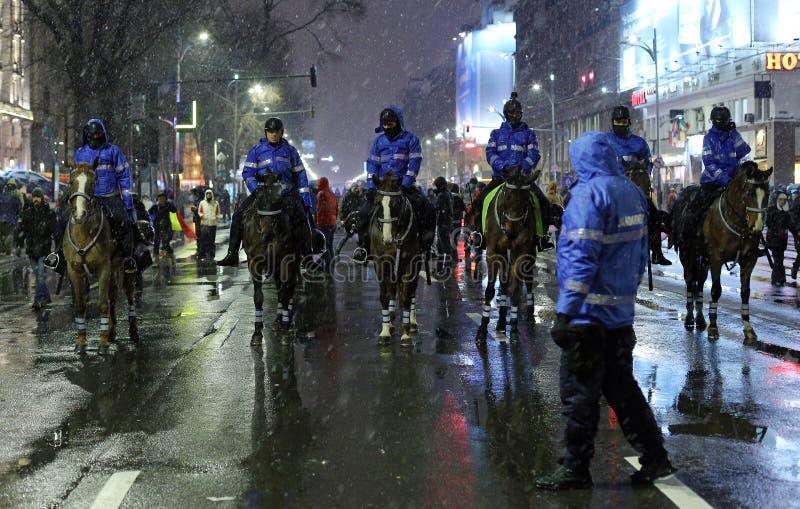 PROTEST IN BOEKAREST TEGEN CORRUPTIE stock afbeelding