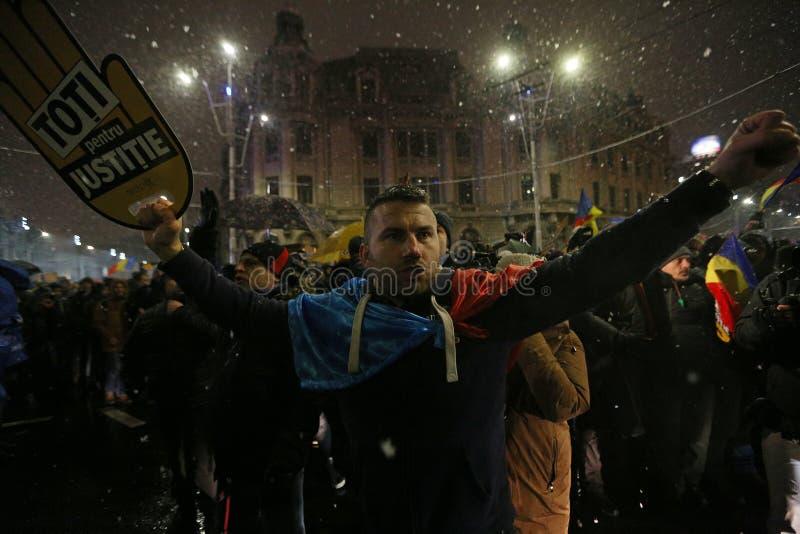 PROTEST IN BUKAREST GEGEN KORRUPTION lizenzfreies stockfoto