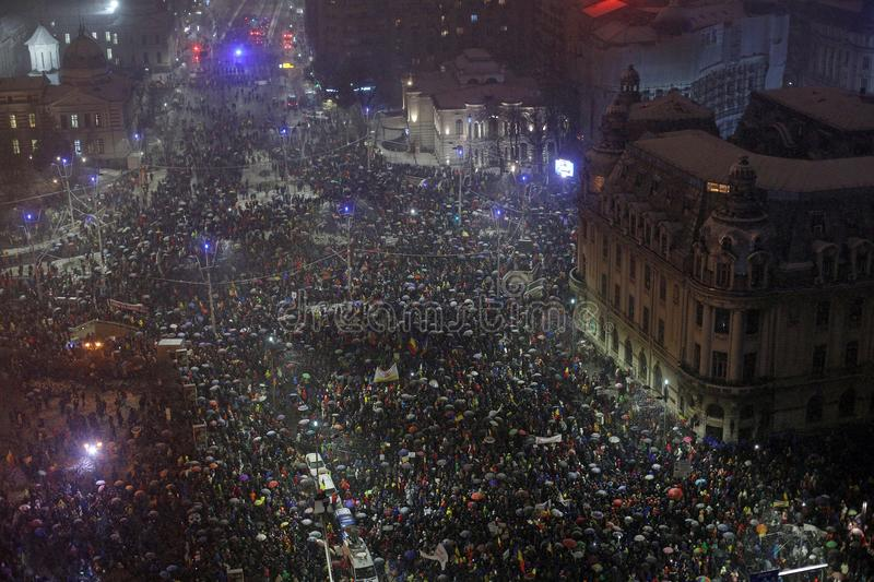 PROTEST IN BUKAREST GEGEN KORRUPTION lizenzfreie stockfotos