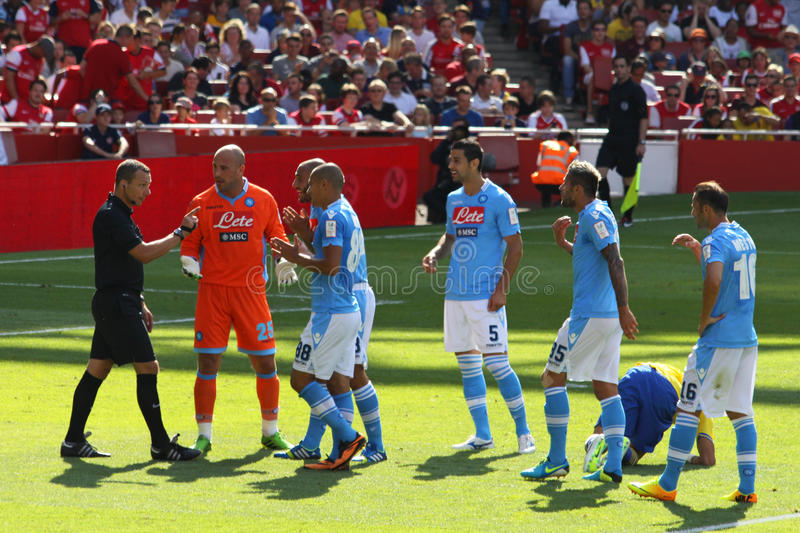 Protest in Emirates Cup. Napoli team protests against the referee for a penalty kick during the match Arsenal-Napoli for the Emirates Cup 2013, played in London stock photo