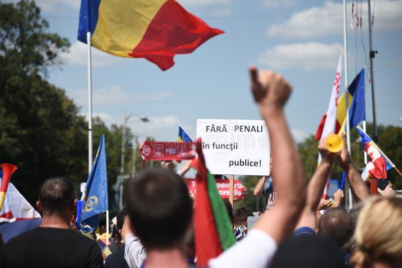 Protest för Romanians från utlandet mot regeringen royaltyfri foto