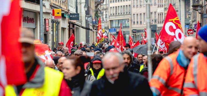 Protest gegen französische Regierungsschnur Macron von Reformen schließen stockbild