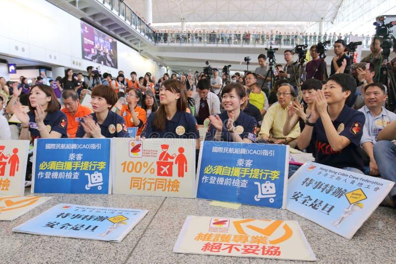 Protest-Hauptgeschäftsführer Luggage Incident bei Hong Kong Airport stockbild