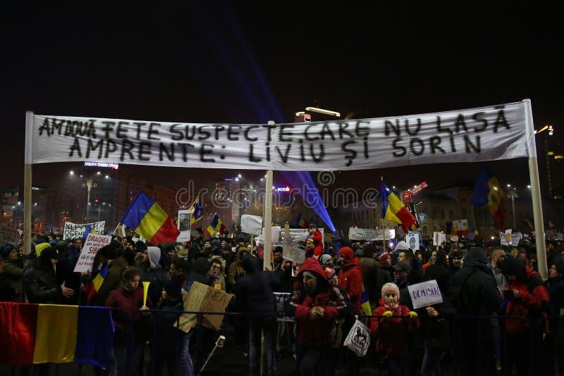 Protest mot korruption och rumänsk regering royaltyfri fotografi