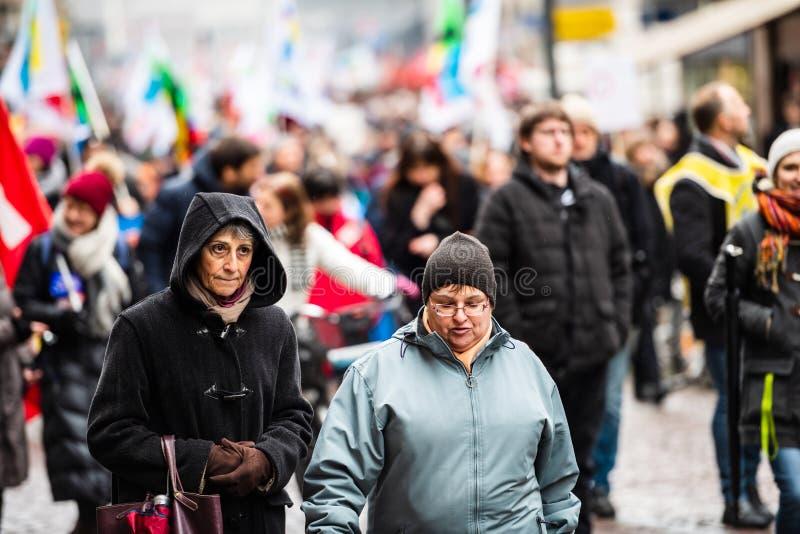 Protest przeciw Macron rzędu Francuskiemu sznurkowi reformy senio fotografia stock