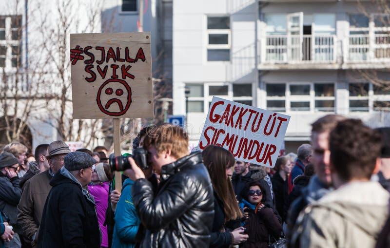 Protest in Reykjavik IJsland stock afbeeldingen