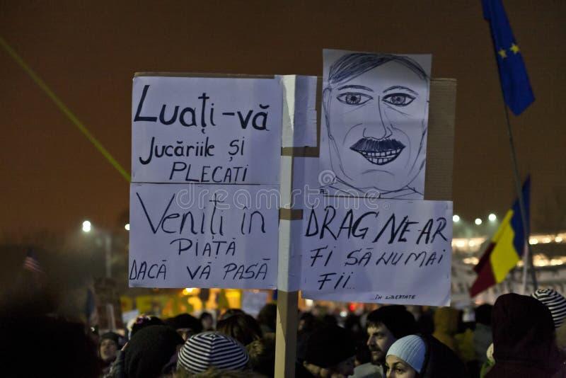 Protest tegen corruptiehervormingen in Boekarest stock foto's