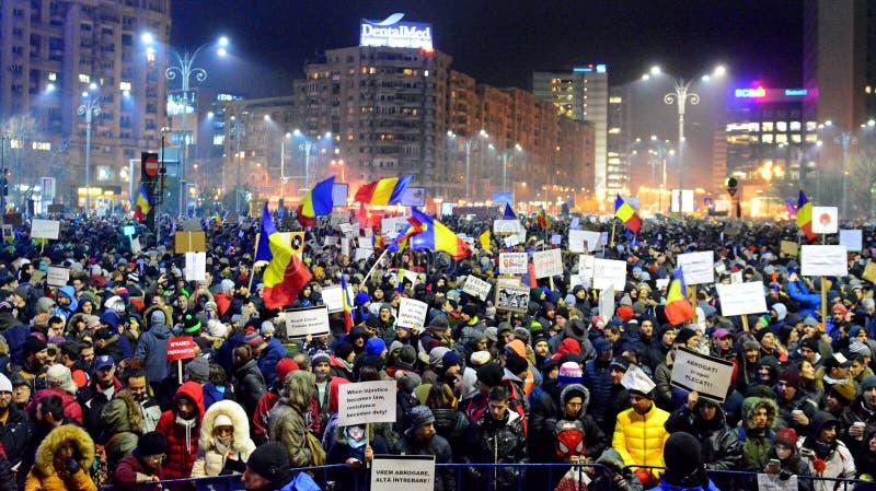 Protest tegen de overheid in Boekarest royalty-vrije stock foto