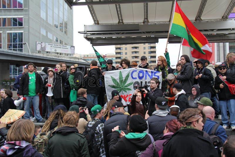 Protesta B de la marijuana de Toronto foto de archivo
