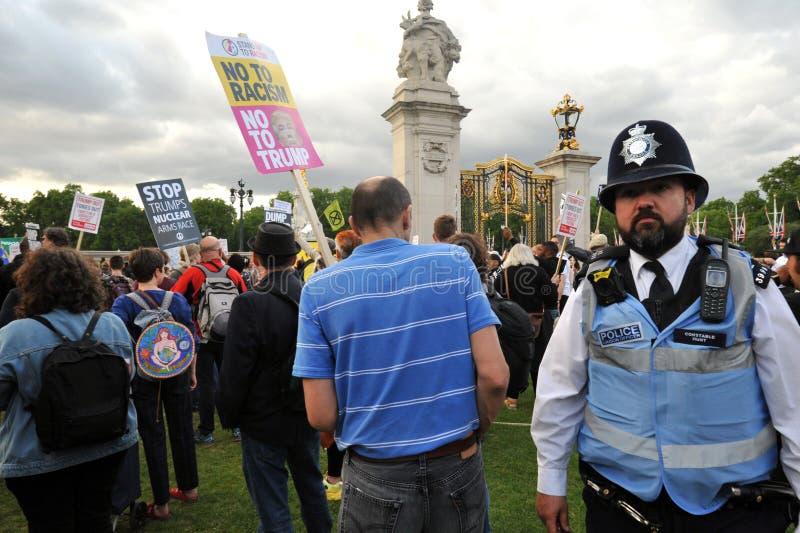 Protesta contra el triunfo en su visita en Inglaterra en junio de 2019 imagen de archivo
