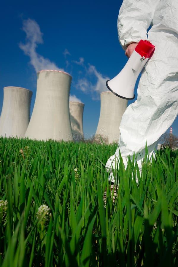 Protesta contra la central nuclear imagenes de archivo