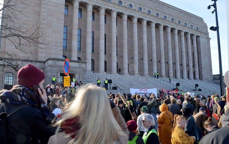 Protesta contra la inacción del gobierno en el cambio de clima, Helsinki, Finlandia foto de archivo