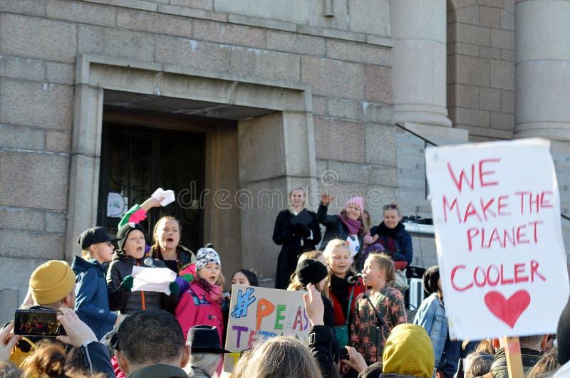 Protesta contra la inacci?n del gobierno en el cambio de clima, Helsinki, Finlandia foto de archivo