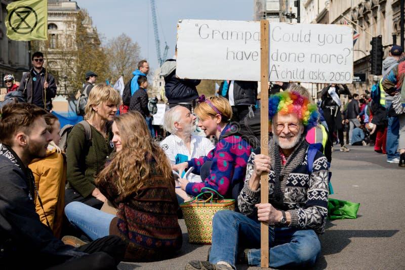 Protesta de la rebelión de Exctintion en Londres central fotografía de archivo libre de regalías