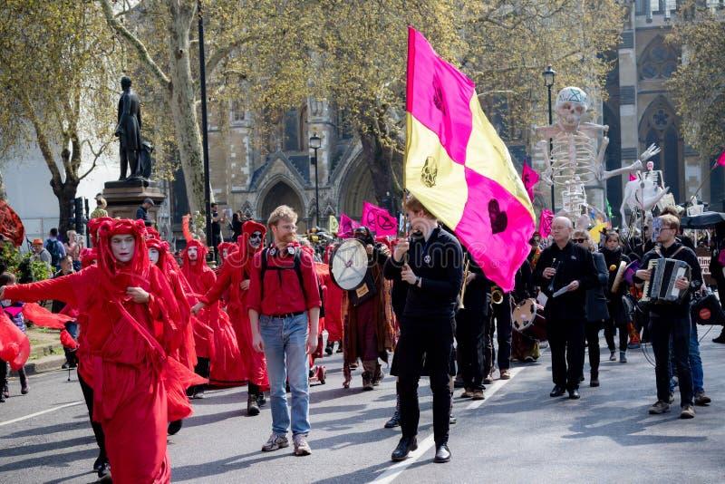 Protesta de la rebelión de Exctintion en Londres central imagen de archivo libre de regalías