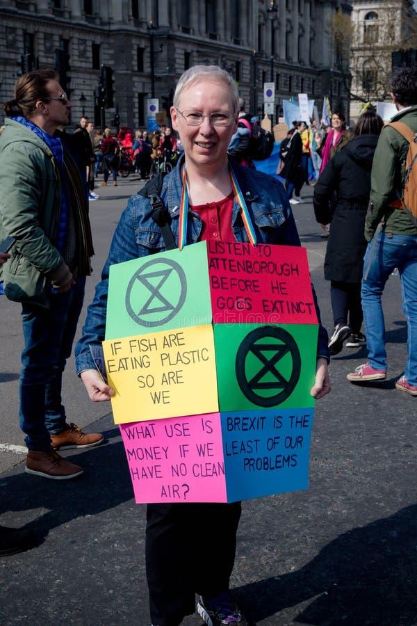 Protesta de la rebelión de Exctintion en Londres central fotos de archivo