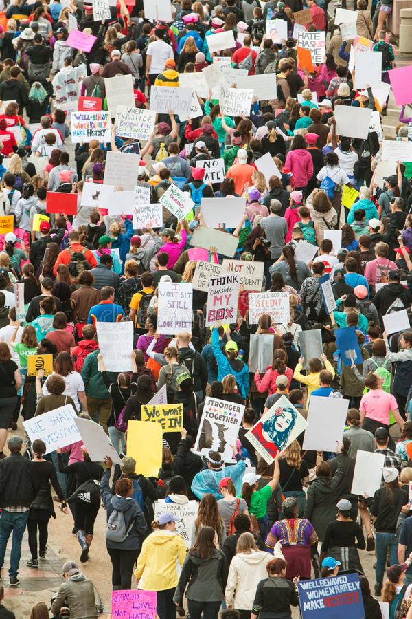 Protesta de los millares en Atlanta marzo para la justicia social And Women fotografía de archivo