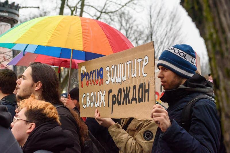 Protestacyjna akcja pokazywać solidarność z Chechnya's LGBT obrazy stock