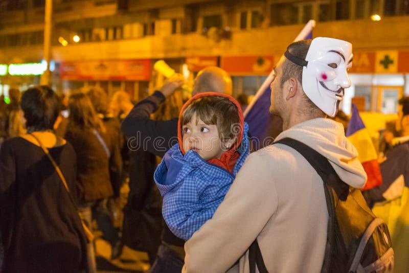 Protestas contra la extracción del oro del cianuro en Rosia Montana fotos de archivo