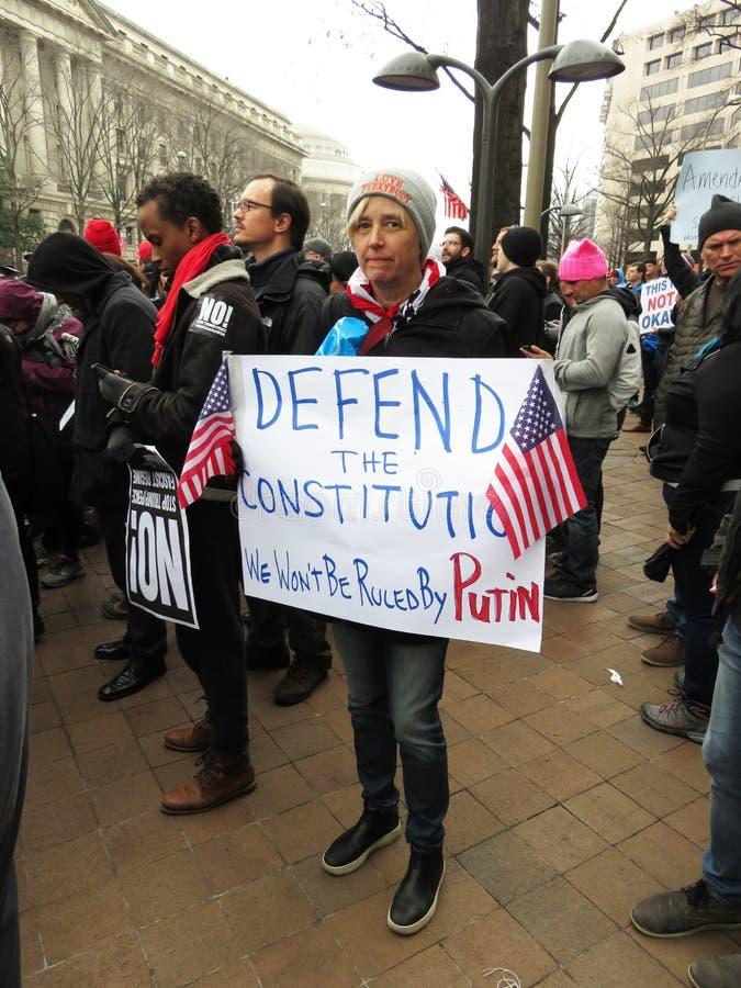 Protestataire avec le signe au défilé image libre de droits