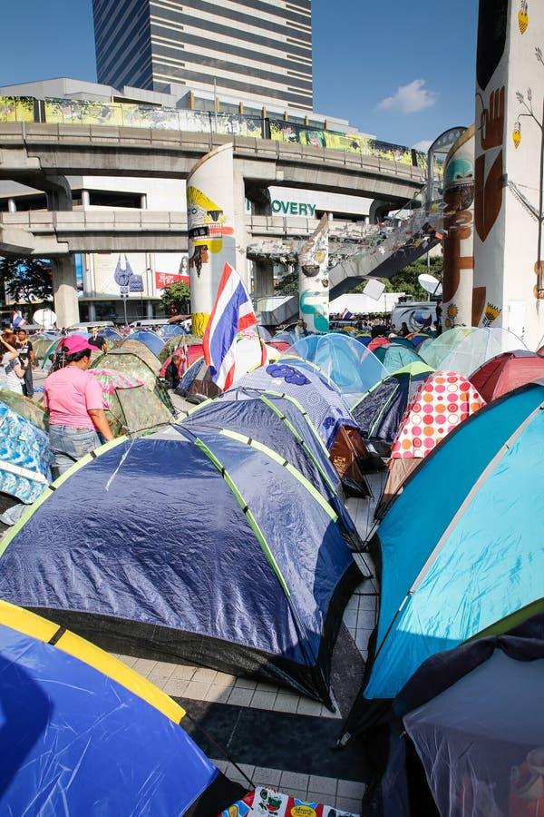 Protestataires de tente images stock