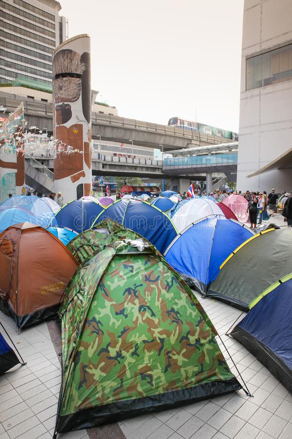 Protestataires de tente image stock