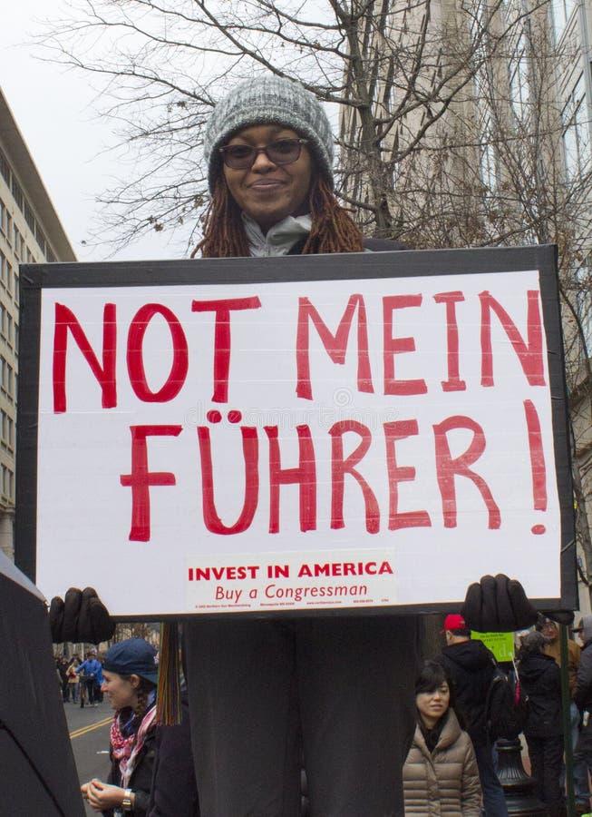 Protestataires en dehors de l'inauguration 2017 du ` s de Donald Trump photographie stock