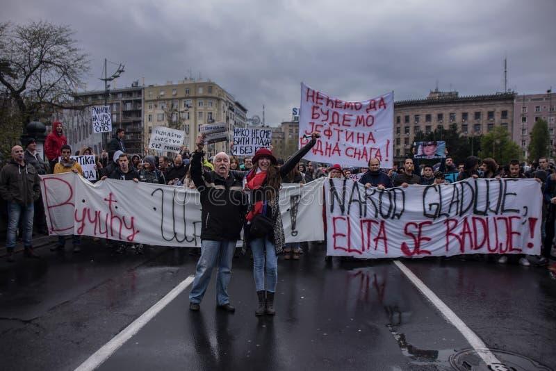 Protestation contre l'élection de premier ministre Aleksandar Vucic comme président, Belgrade photo stock