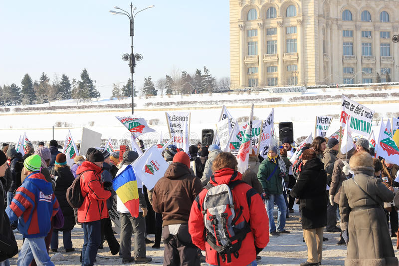 Protestation contre l'extraction de l'or de cyanure images libres de droits