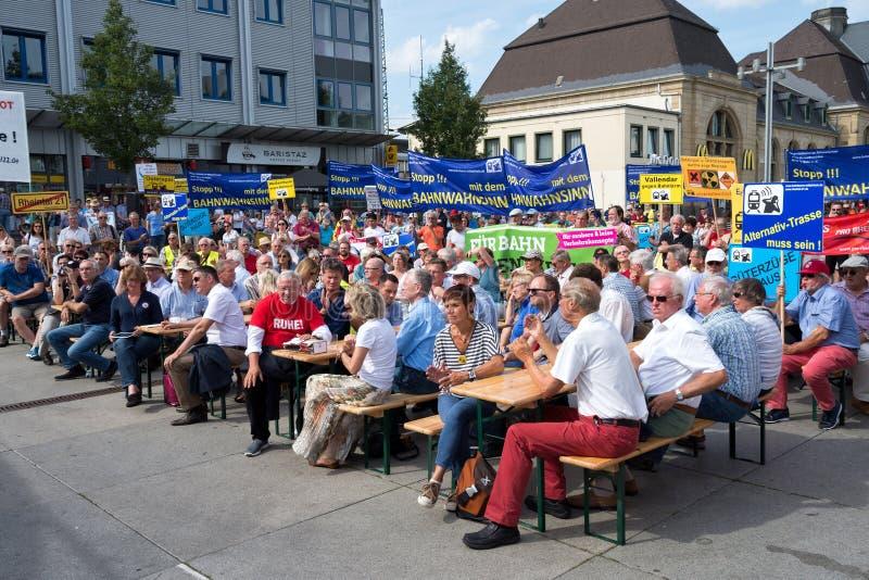 Protestation contre le bruit de chemin de fer photographie stock libre de droits