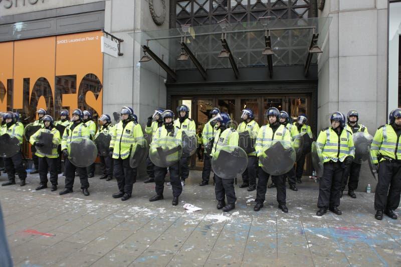 Protestation d'ANTI-CUTS à LONDRES photo stock