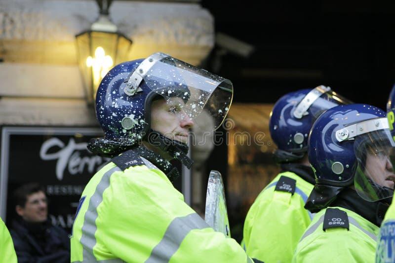 Protestation d'ANTI-CUTS à LONDRES photo libre de droits
