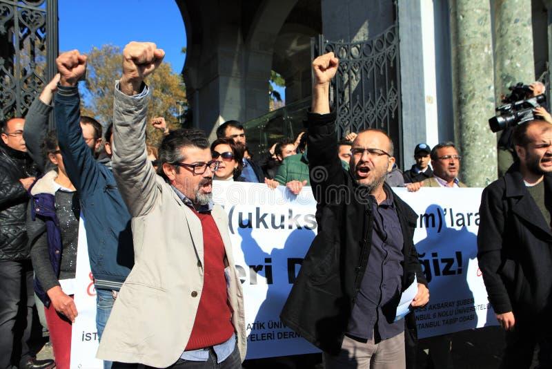 Protestation d'universitaires en Turquie images stock