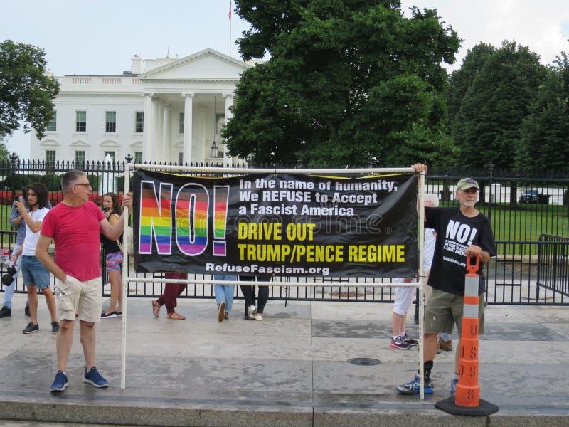 Protestation de fascisme d'ordures photographie stock libre de droits