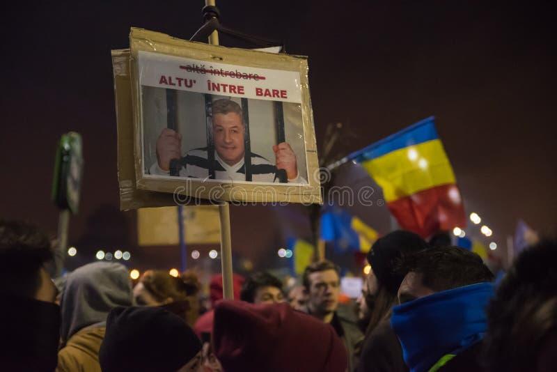 Protestation de Roumains contre le gouvernement photographie stock