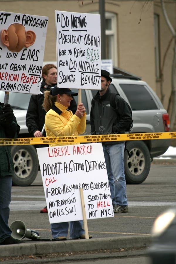 Protestation du Président Obama image stock