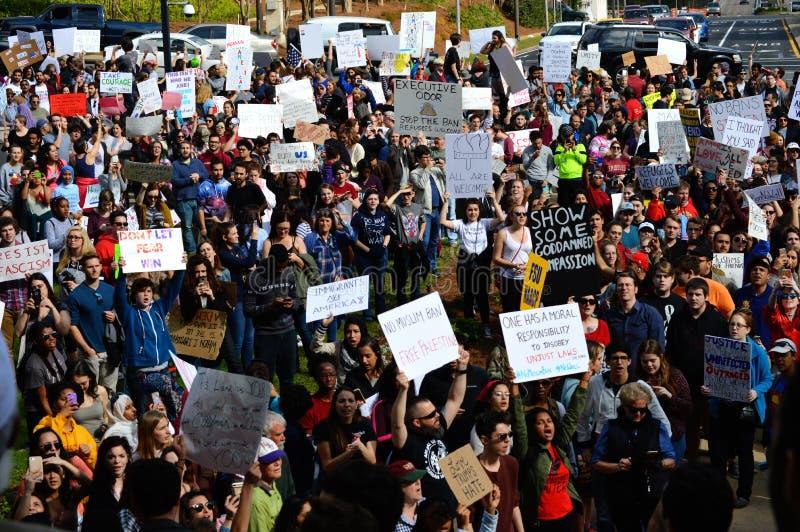 Protestation Tallahassee, la Floride d'Anti-atout photos libres de droits
